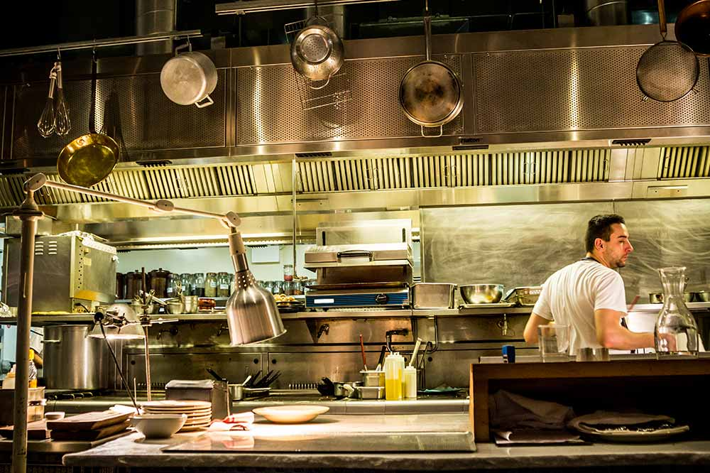 Why Your Restaurant Should Get Back to Basics in 2017